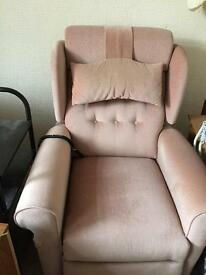 FOR SALE. RECLINING CHAIR