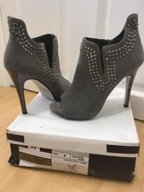 Size 6 Ladies Grey Suede Ankle Shoes