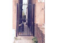 Side metal gate offer
