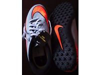 Nike Hypervenom Kids Shoes Size 4 NEW with box and tag