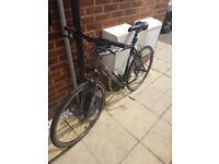 HYBRID TREK TO SELL - EXCELLENT BICYCLE - £ 110,00