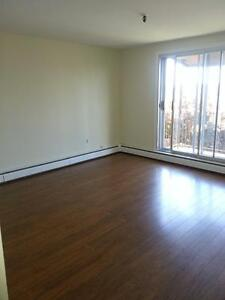 2 BEDROOM APT. ON DARTMOUTH WATERFRONT AVAIL. DECEMBER 1ST