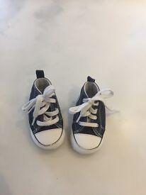 Babies navy converse size 2
