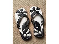 Oneil flip flops like new size 5
