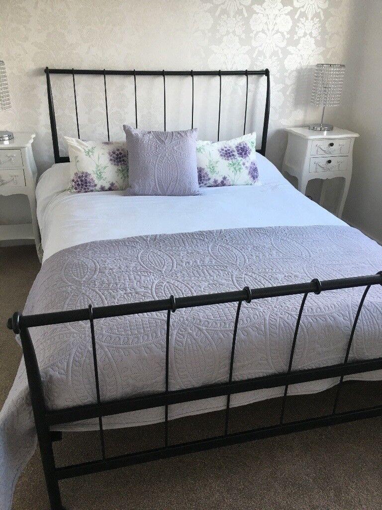 Vintage style bedding & throw