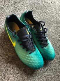 Men's Nike football boots size 7
