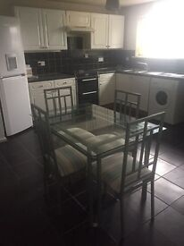 **NEWLY REFURBED HOUSE SHARE - ENSUITE - BILLS INCLUDED