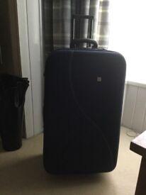 Large expandable suitcase