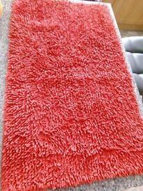 M&S Red twist bath mat