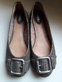 Fossil shoes moc croc flats size 7