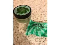 Body shop green tea gel scrub 50ml bath bomb 28g