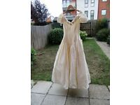 Small Size 10 ivory silk wedding dress by Pronuptia