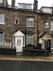 Must view, Clean cosy family 3 bed home in Halifax town centre, close to Hospital and Train station