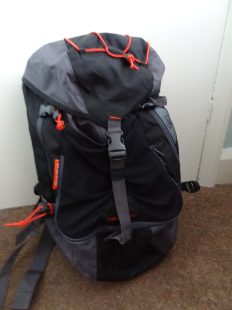 Quechua Forclaz 40L Hiking Backpackin Coventry, West MidlandsGumtree - Quechua Forclaz 40L Air Hiking Backpack In very good condition only used once P&P £3.95 No paypal