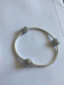 PANDORA PAVE HEART BRACELET AND CLIPS - RRP £200 - NEW!!!