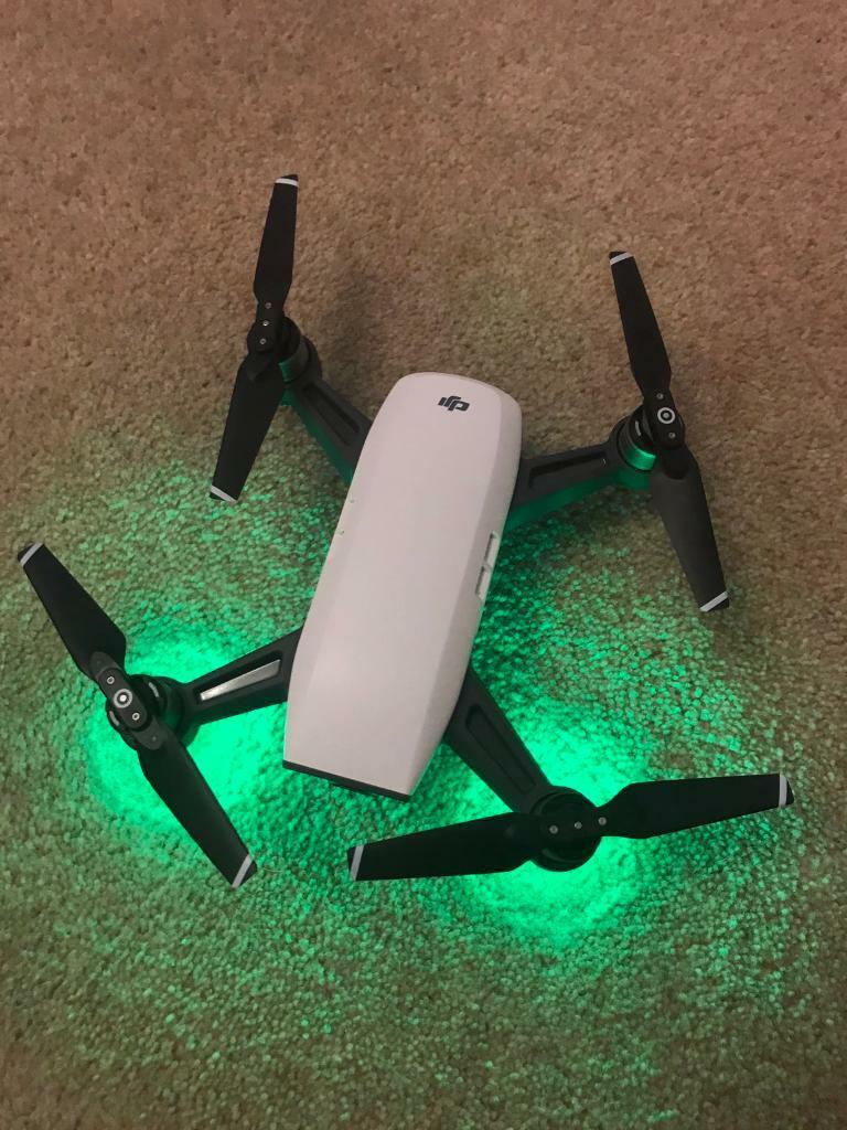 DJI Spark camera drone and two batteries - 1 min flight time!
