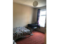 A Nice Semi Double Room to let at Plaistow