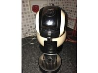 Cream dolce gusto hot drink maker. Like new in excellent condition