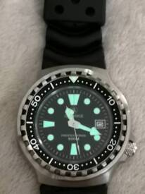 Divers watch Brand New