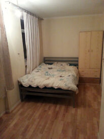 Isle of Dogs Ensuite Double Room to Let