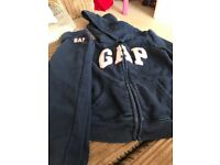 Gap tracksuit (5 years old) navy