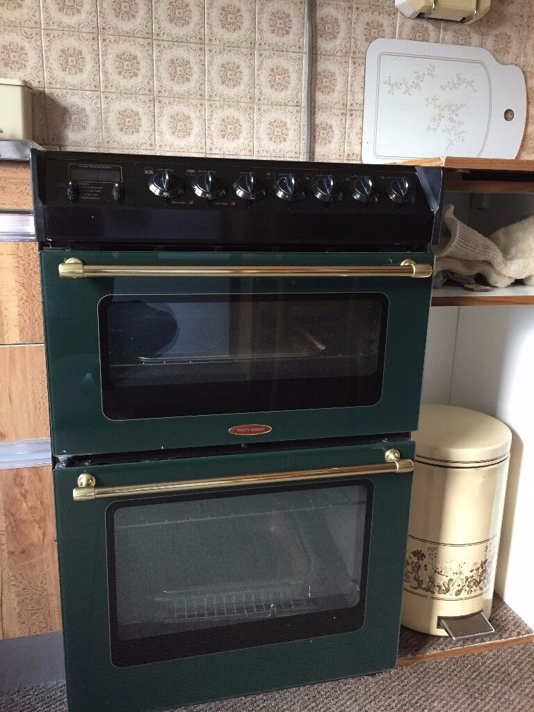 Electric Cooker, with double oven and ceramic hob. Working order, clean, well looked after