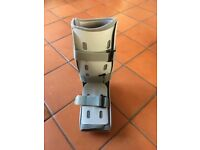 Aircast Walker Rehabilitation Boot (large) with Air Pump & Wedges