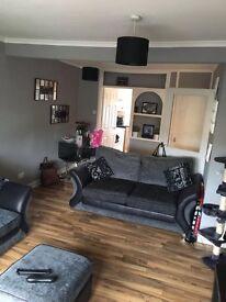 Centrally Located Large 2 Bedroom 2nd Floor Flat