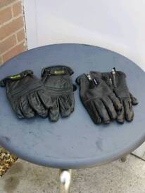 Ladies and gents Harley Davidson and duke gloves