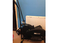 Pro fitness cross trainer/ exercise machine