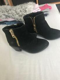 Size 10 girls river island boots