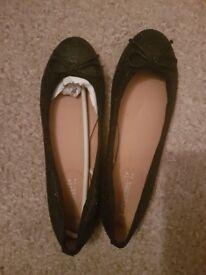 Love Label Flat Shoes