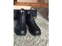 unused steel toe cap safety boot size 8