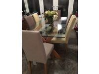Kitchen Gene Dining table and 6 chairs in Verg good condition