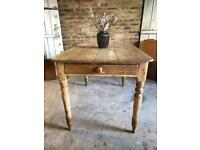 Rustic farmhouse pine kitchen dining table 4-6 seater