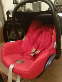 Maxi cosi cabriofix and easyfix isofix base