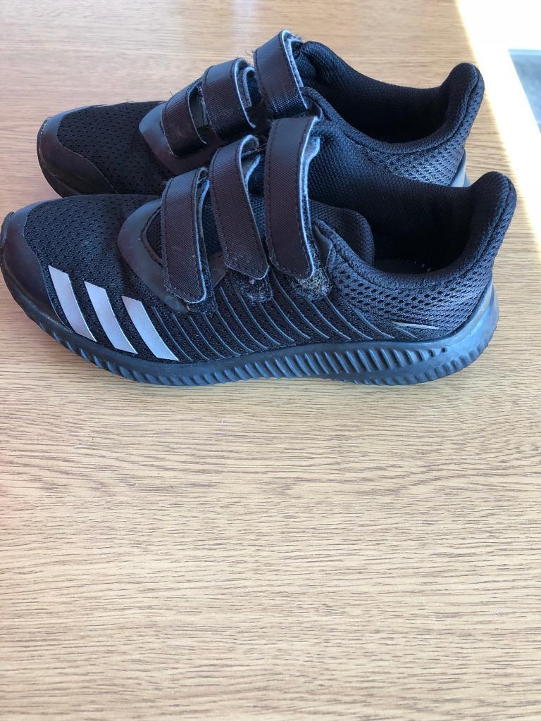 Boys Adidas trainers  846277415e