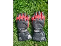 Akito Mercury Plus Thinsulate Black/Red Motorcycle Gloves