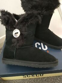 Ugg boots style by Soul Cal size 4