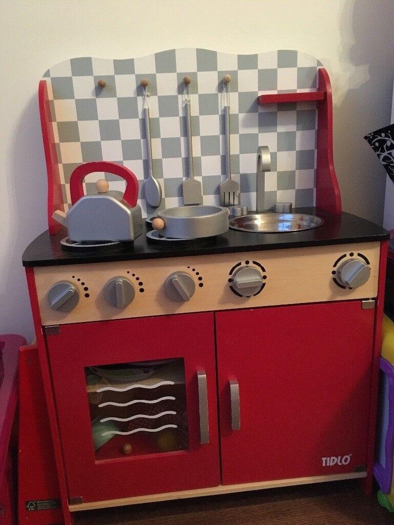 Tidlo wooden kitchen