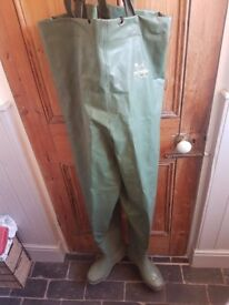 Snowbee Fishing waders size 9