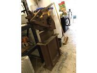 Metal guillotine