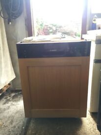Semi integrated Bosch dishwasher. SM150C06GB/27