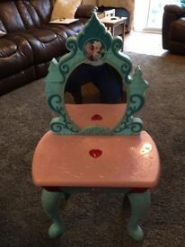 Frozen light up musical vanity table
