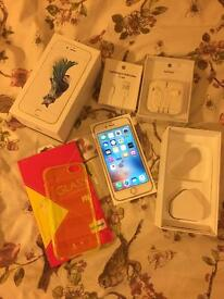 iPhone 6S Silver 64GB Unlocked Mint Condition