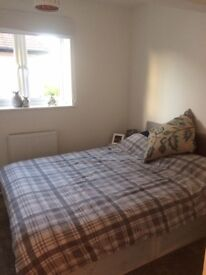 Double room available now for short let £180 per week