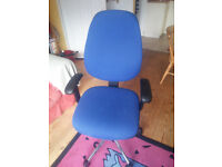 Large office chair, excellent condition, fully adjustable, very comfy