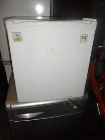 Daewoo mini-fridge