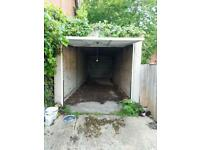 Land with Garage in Highgate for rent