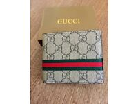New black with box mens wallet gg
